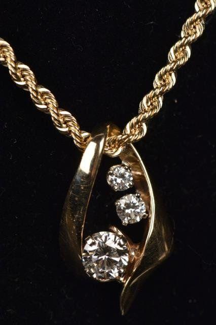 Ladies 14K Yellow Gold Necklace W/ Pendant