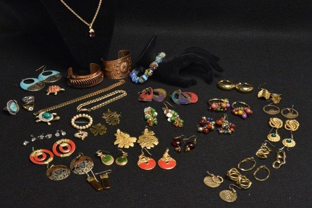 Large Lot VIntage Costume & Fashion Jewelry