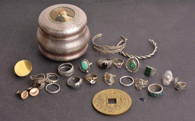 *Vintage Portrait Music Trinket Box & Jewelry