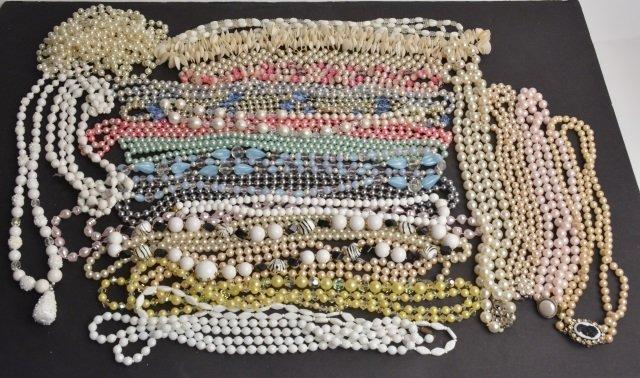 Large Lot Ladies Vintage Costume Necklaces