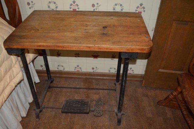 *Bonis Mach Corp. Treadle Sewing Machine Table