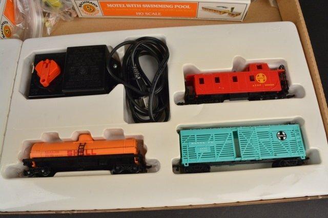 Bachmann Rail Blazer HO Scale Electric Train Set. - 8