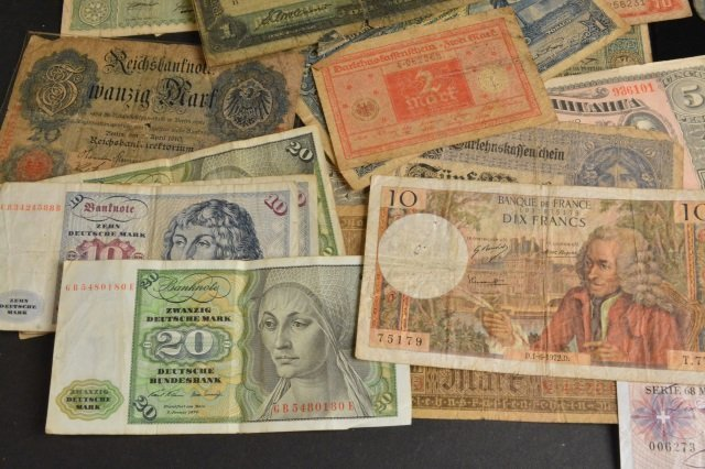 LARGE Lot of Foreign Coins & Currency - 4