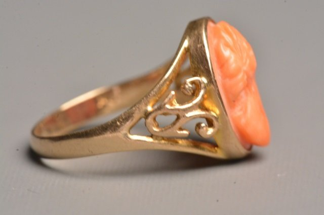 Ladies 10K Yellow Gold Ring Q/ Coral Cameo - 3