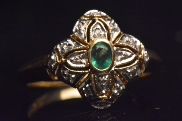 14K Yellow Gold Ring W/ Emerald & Diamonds - 3