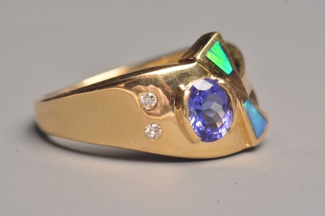 18K Yellow Gold Ring W/ Tanzanite & Diamonds - 3