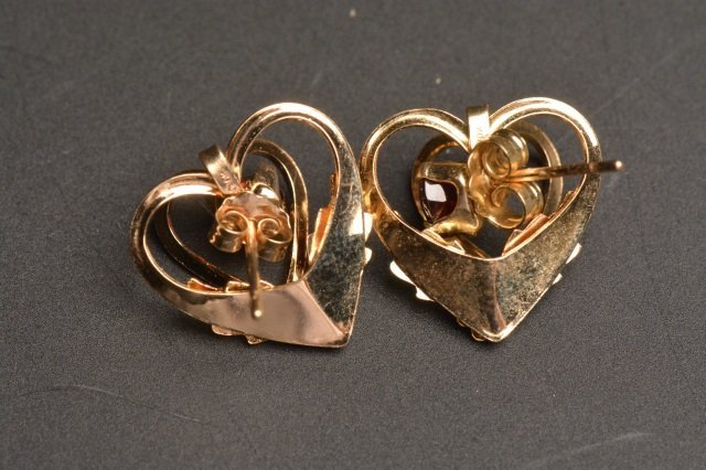 10K Black Hills Gold Earrings Heart Shaped Garnets - 4