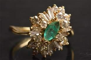 18K Yellow Gold Ring W/ Emerald & Diamonds