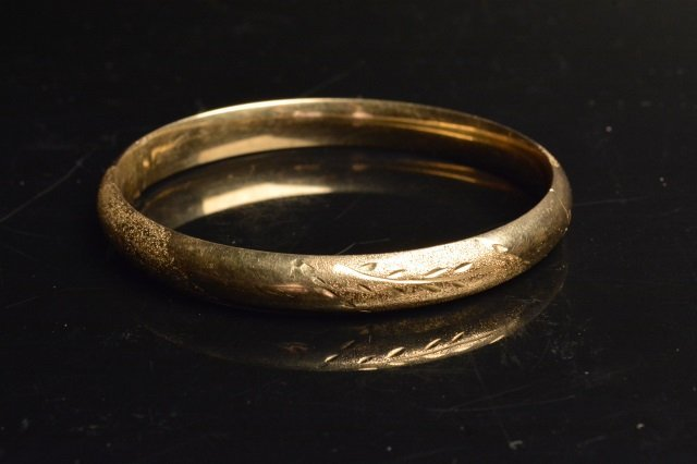 10K Yellow Gold Bangle Bracelet