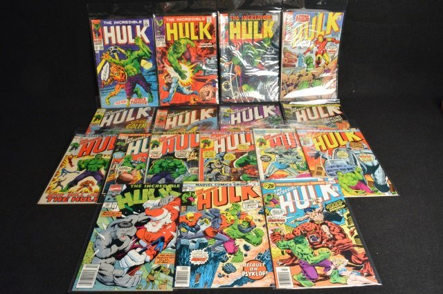 (17) Incredible Hulk Marvel Comic Books