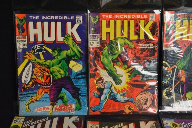 (17) Incredible Hulk Marvel Comic Books - 2