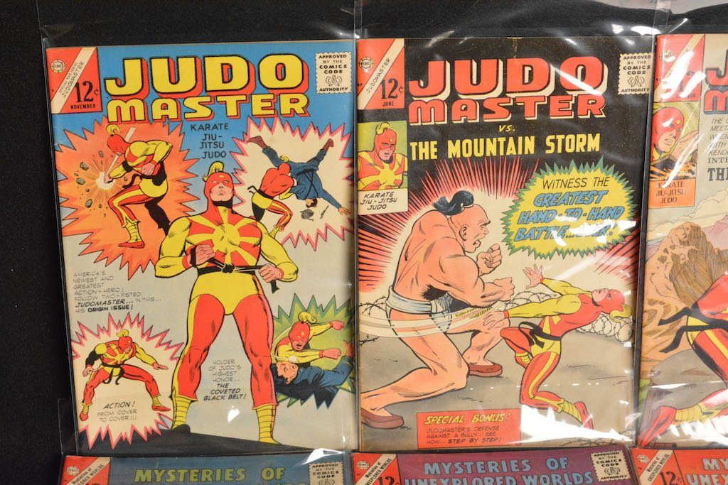 (33) CDC Comics Comic Books - Mixed Titles - 4