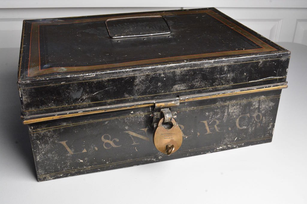 Early 1900's Louisville & Nashville RR Accounting Box