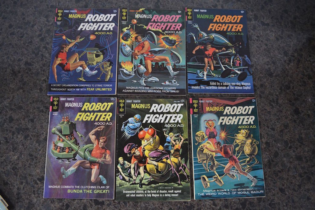 (17) Gold Key Magnus Robot Fighter 4000 A.D Comic Books - 2