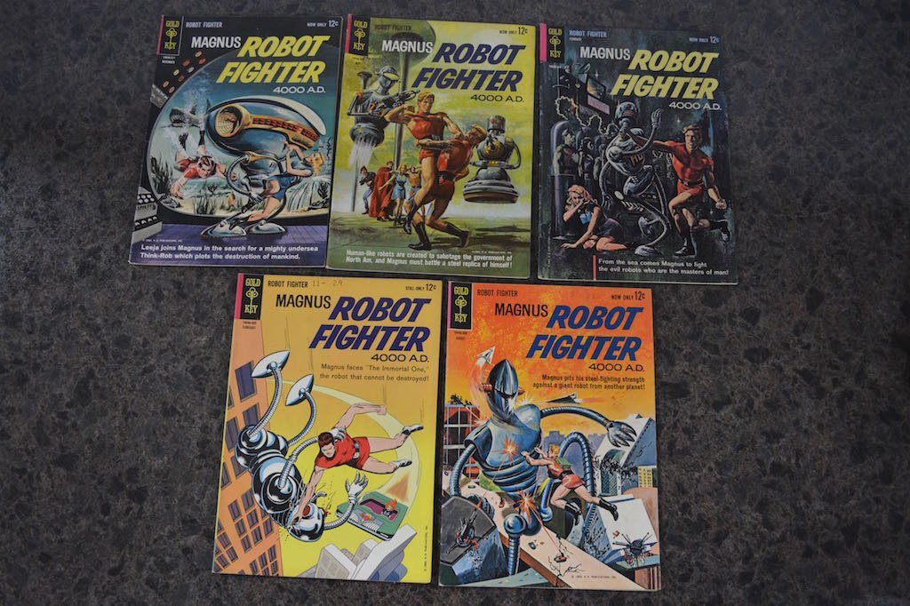 (17) Gold Key Magnus Robot Fighter 4000 A.D Comic Books - 4