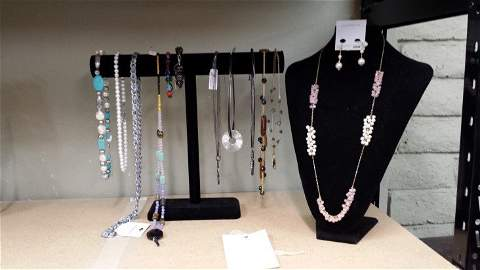 Assorted Necklaces     Pink and White Pearl