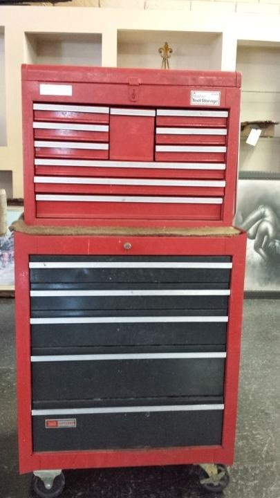 Craftsman 15 drawer tool box with tools