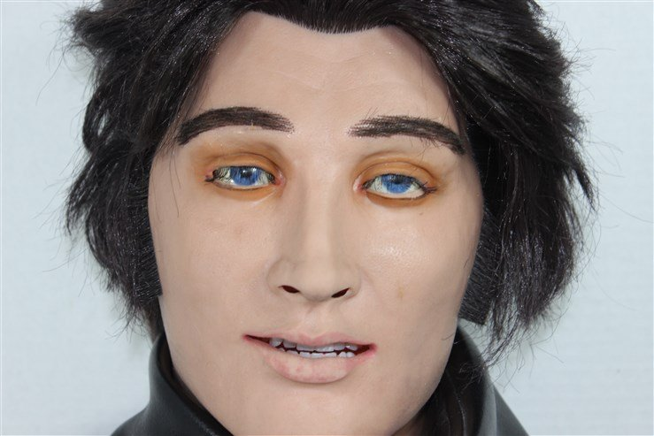 Elvis WowWee Alive Talking and Moving Bust - 2