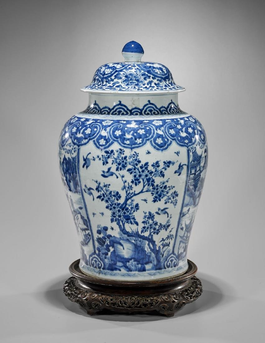 LARGE KANGXI PERIOD BLUE & WHITE COVERED JAR - 2