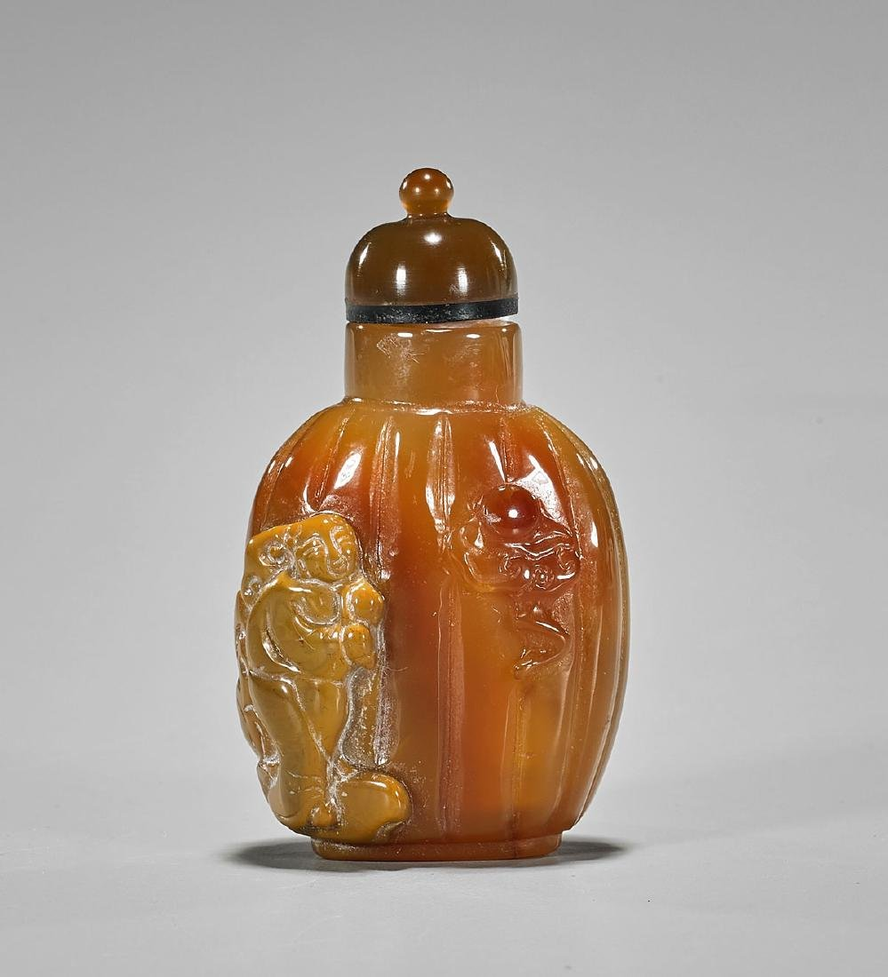 Well-Hollowed Cameo Agate Snuff Bottle