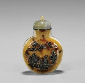 Large Cameo Agate Snuff Bottle: Game of Go