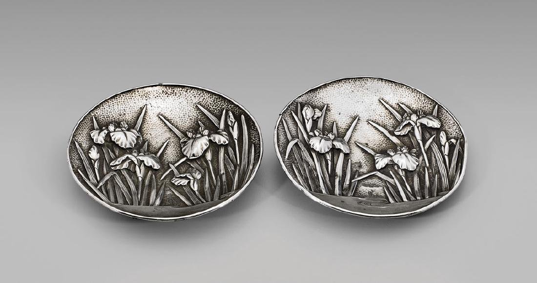 PAIR JAPANESE EXPORT SILVER DISHES BY ARTHUR & BOND