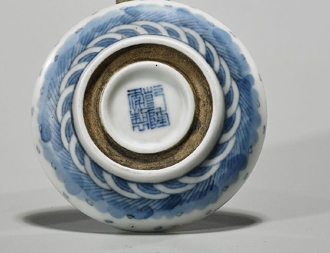 Antique Chinese Blue & White Porcelain Seal Paste Box - 3