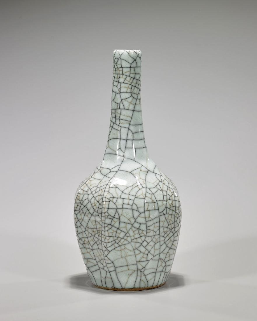 Chinese Qing-Style Ge-Ware Vase