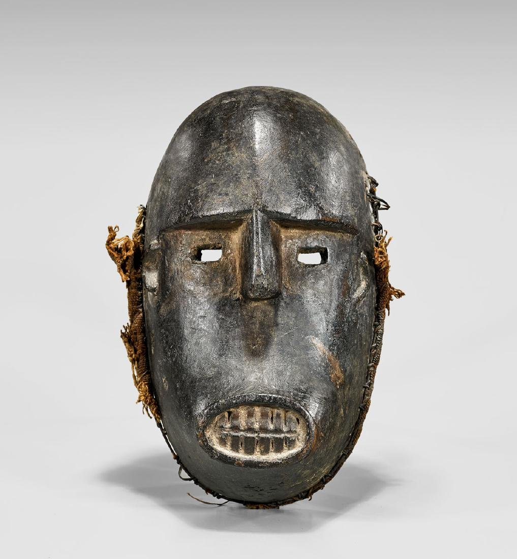 NIGERIAN CARVED WOOD MASK
