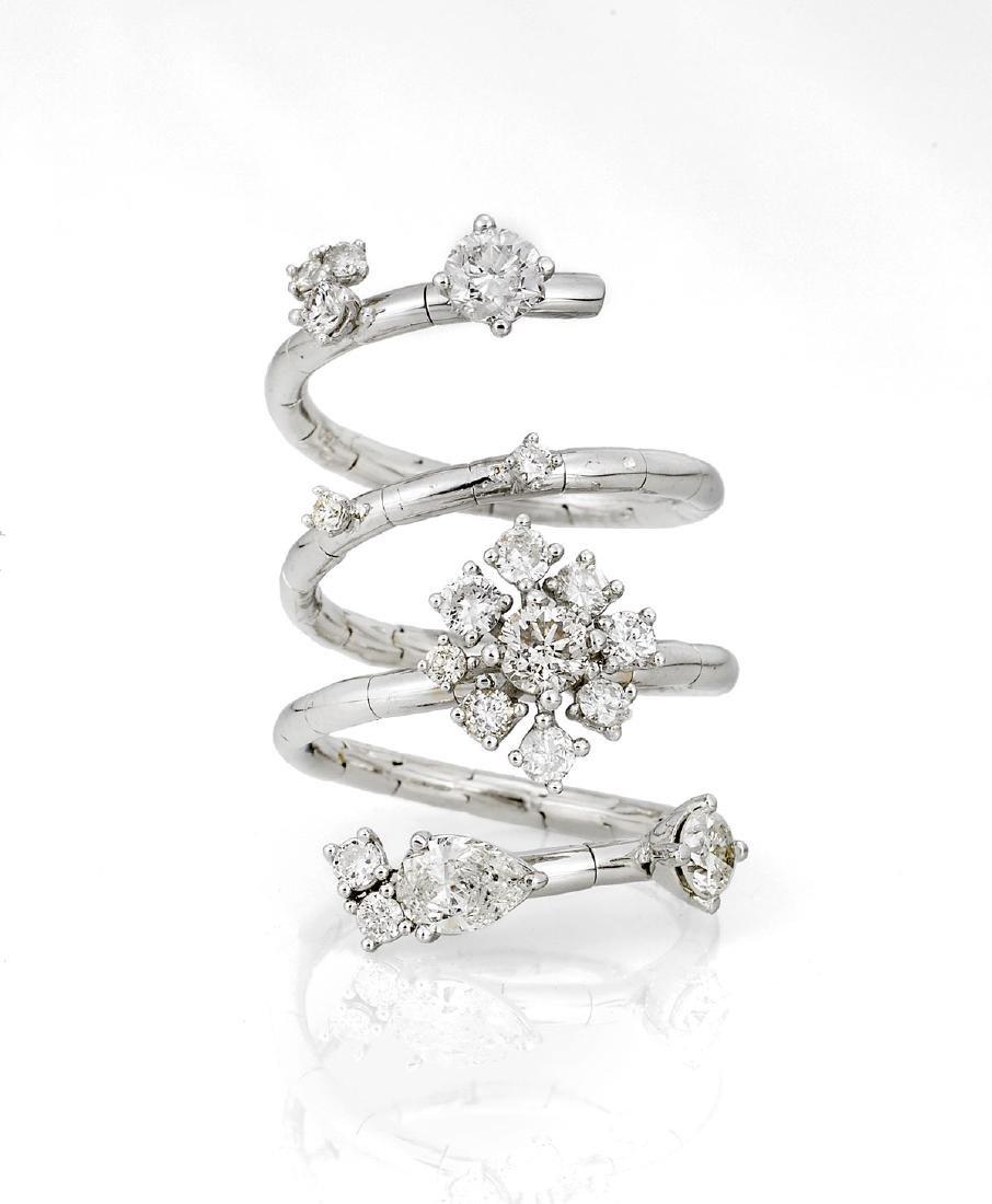 DIAMOND & 18K GOLD RING