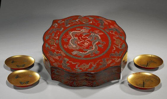 62: Various Lacquered Items: Box & Four Plates