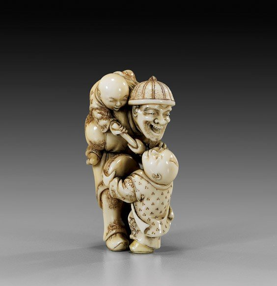 4: ANTIQUE IVORY NETSUKE: Man & Children