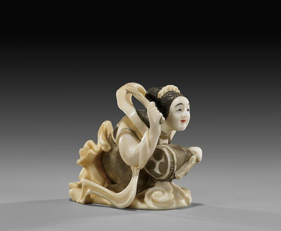 5: CARVED IVORY NETSUKE: Celestial Beauty