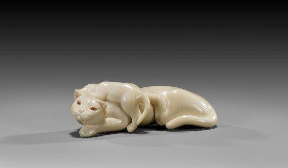 16: CONTEMPORARY IVORY NETSUKE: Cats