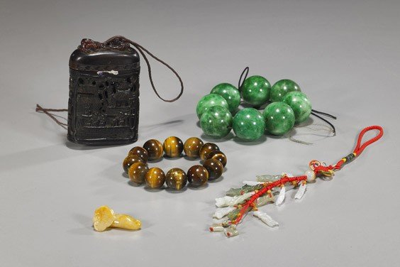 12: Group of Five Various Chinese Items