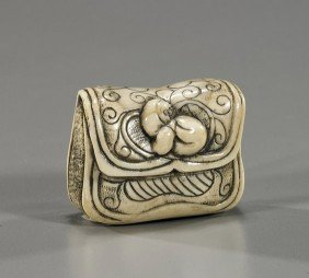 Antique Ivory/Stag Antler Netsuke: Pouch