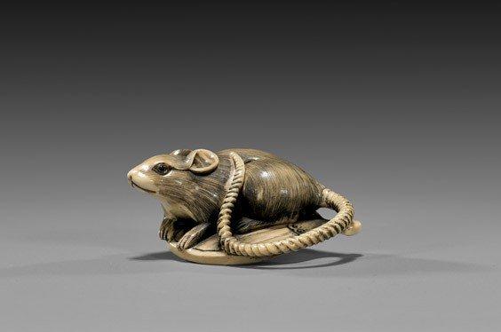 CARVED IVORY NETSUKE: Rat & Fan