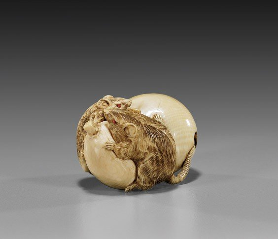 CARVED IVORY NETSUKE: Two Rodents