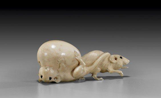 ANTIQUE JAPANESE IVORY OKIMONO: Rodents