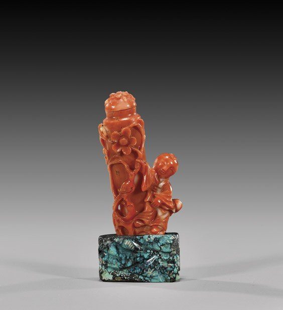 CARVED CORAL SNUFF BOTTLE