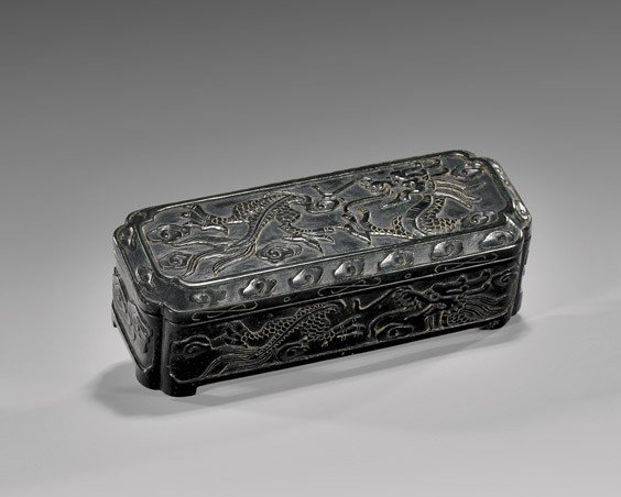 CHINESE CARVED SPINACH JADE BOX