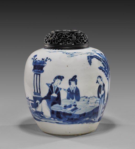 ANTIQUE KANGXI-STYLE BLUE & WHITE JAR