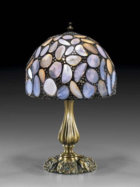 TIFFANY-STYLE CLEAR AGATE LAMPSHADE