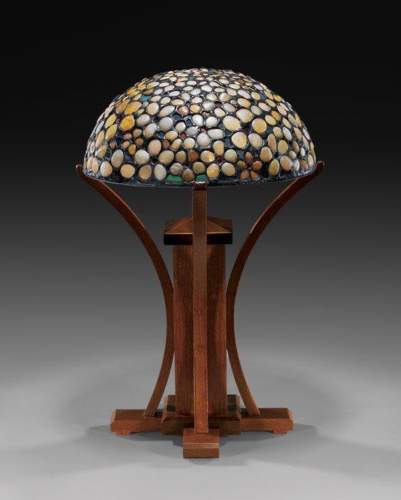 QUARTZ PEBBLE TABLE LAMP