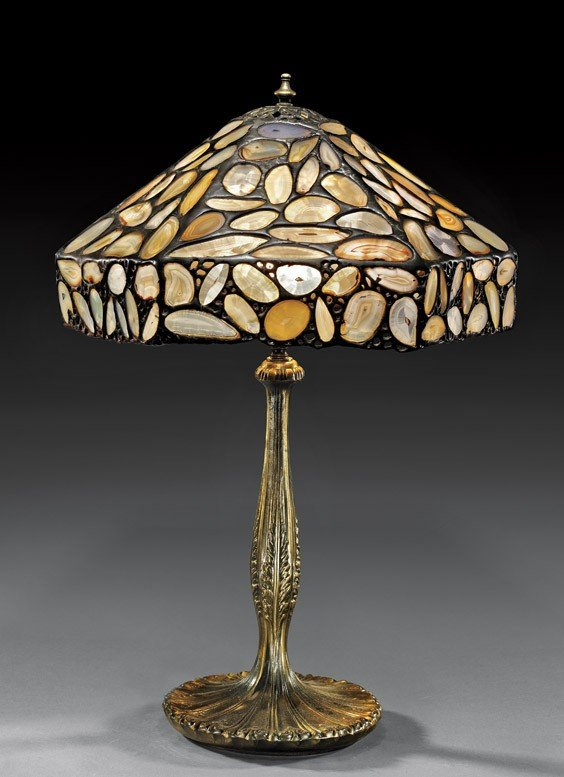 TIFFANY-STYLE AGATE LAMPSHADE