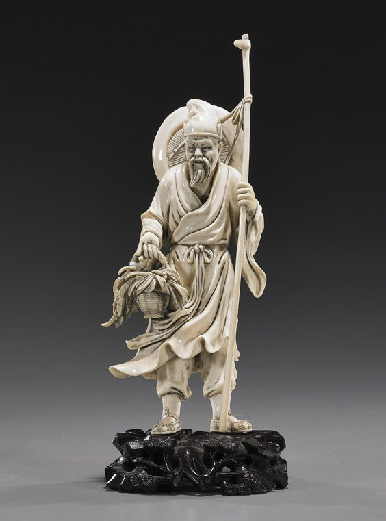 115: Chinese Carved Ivory Man