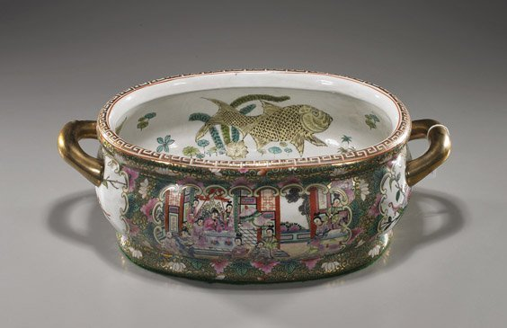 Chinese Famille Rose Porcelain Tureen