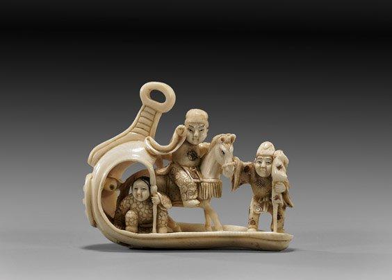 23: ANTIQUE IVORY NETSUKE: Figural group