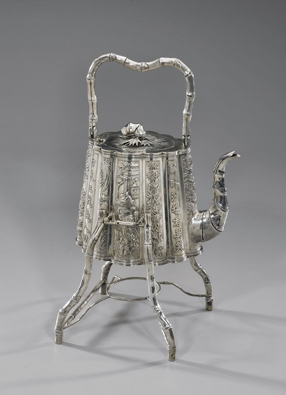 302: ANTIQUE CHINESE EXPORT SILVER TEAPOT