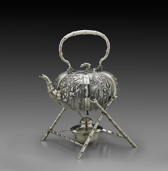 ANTIQUE CHINESE EXPORT SILVER TEAPOT